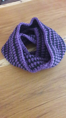 Crochet Scarf black-dark violet