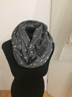 Loop-Schal mit Sternen