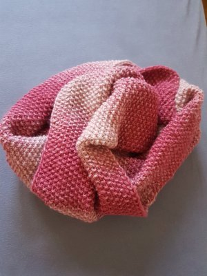 Knitted Scarf raspberry-red-pink