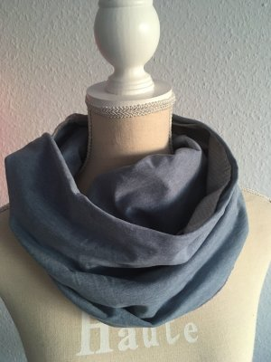 Pañoleta gris claro-azul celeste