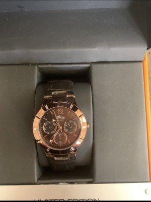 Lotus Uhr