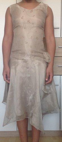 Robe de bal beige-chameau