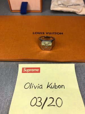 Louis Vouitton Ring
