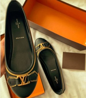 Louis Vuitton Mary Jane Ballerinas black-light brown leather