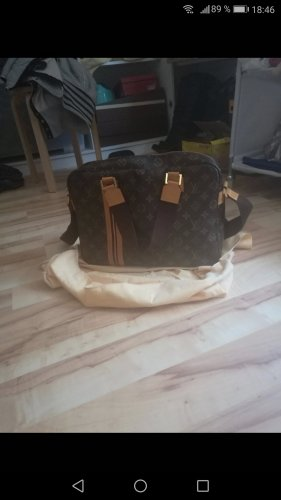 Louis Vuitton Bosphor Messenger