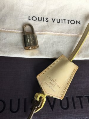 Louis Vuitton Clochette mit Schloss