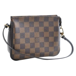 Louis Vuitton Damier Ebene Truth Makeup