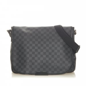 Louis Vuitton Bolsa de hombro negro