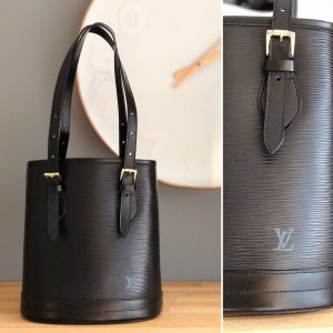 Louis Vuitton Epi Petit Bucket Noir Shoulder Bag Schwarz Schultertasche wie NEU