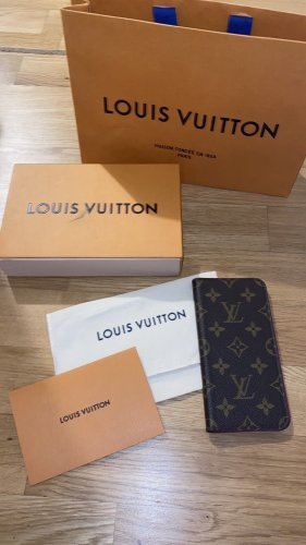 Louis Vuitton Hülle