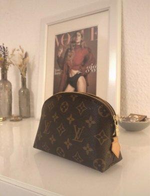 Louis Vuitton  bruin-room