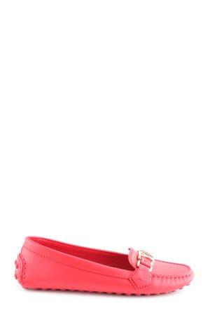 Louis Vuitton Mocasines rojo look casual