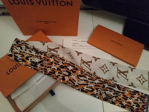 Louis Vuitton Monogram Giant Jungle Bandeau