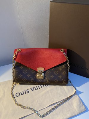 Louis Vuitton monogram Pallas Chain
