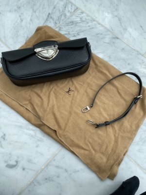 Louis Vuitton Montaigne Clutch Epi Leather Noir