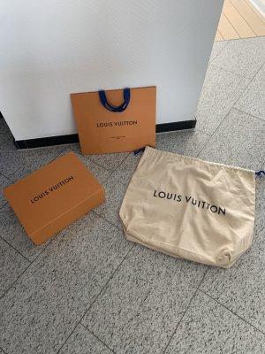 Louis Vuitton Neu  Taschenaufbewahrungs-Box  ,Staubbeutel und Tasche