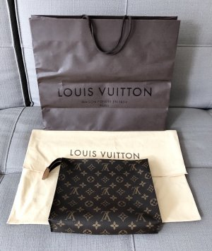 Louis Vuitton Poche Toilette 26