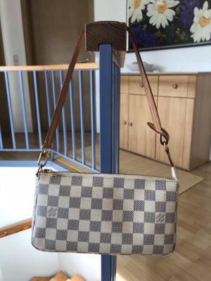 Louis Vuitton Pochette Accessoires NM