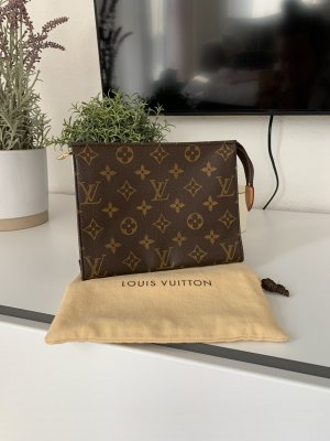 Louis Vuitton Pochette Toilette 19