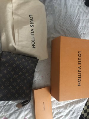 Louis Vuitton Pochette Toilette 26