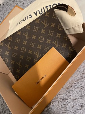 Louis vuitton pochette toilette