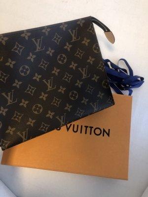 Louis Vuitton Pouch 26