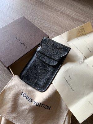Louis Vuitton Smartphone Case auch als Etui für Mascara Lippenstift etc.