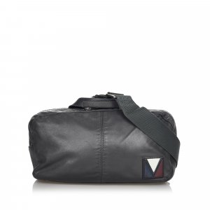 Louis Vuitton Riñonera negro Cuero