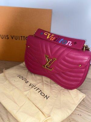 Louis Vuitton Wave Chain Bag MM