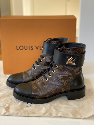 LOUIS VUITTON Wonderland Flat Ranger Boots