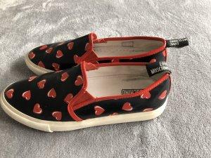 Love Moschino Slip On schwarz mit roten Herzen Gr.40