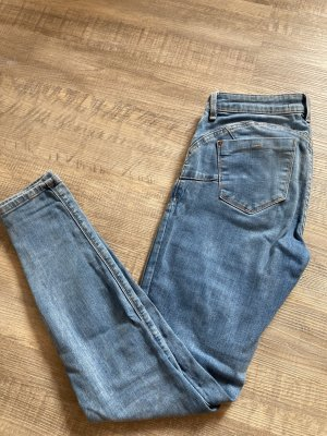 Low wasted Jeans