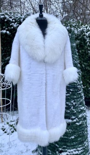 Lubert de Cologne Manteau de fourrure blanc