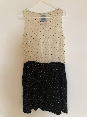 Luftig lässiges Kleid im black & white look
