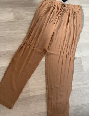 Pantalón estilo Harem camel