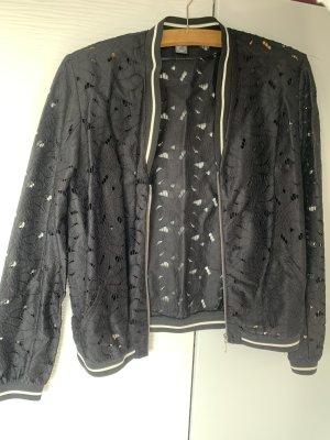 Luftige Jacke in schwarz