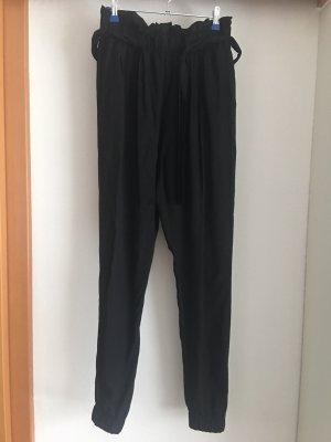 Bikbok Spodnie z wysokim stanem czarny