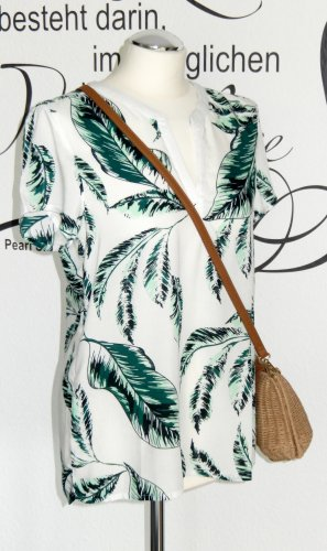 Luftiges Blusenshirt mit trendigem Palmenmuster - NEU!