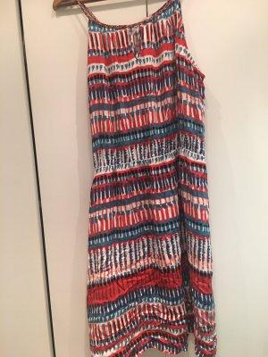 Luftiges, buntes Sommerkleid von Promod