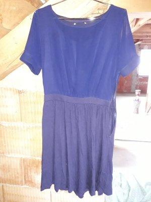 H&M Robe trapèze bleu foncé-bleu