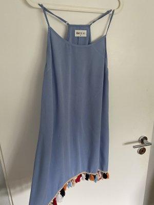 Luftiges Kleid mit Fransen