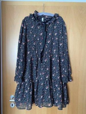 Luftiges Kleid von H&M