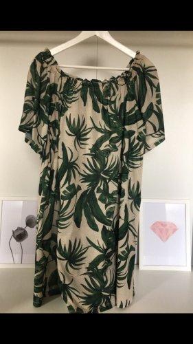 Luftiges Sommerkleid mit Carmenausschnitt