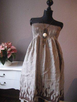 Luftiges süßes Sommerkleid