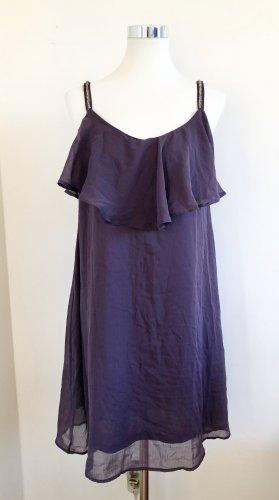 Luftiges violettes Kleid
