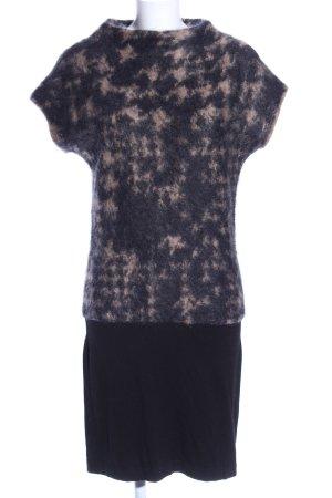 Luisa Cerano Strickkleid schwarz-wollweiß abstraktes Muster Casual-Look