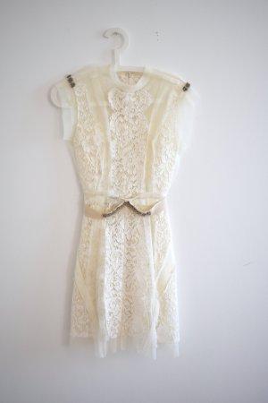 Luxuriöses Cocktailkleid / Hochzeitskleid mit handgenähter Spitze