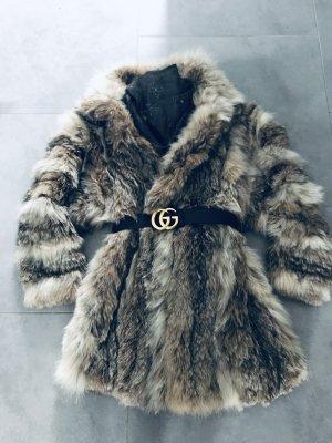 Abrigo de piel beige-crema