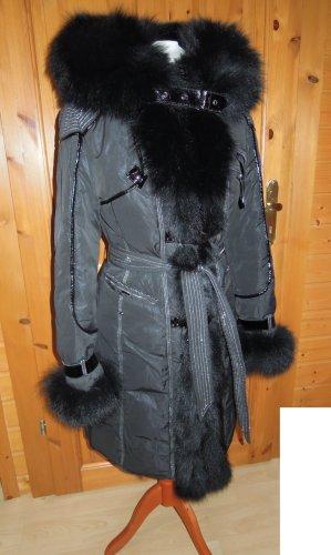 LUXUS Wintermantel Mantel Winterjacke Winter Jacke ECHT Pelz Fell schwarz Bindegürtel Satinfutter Animalprint Futter Größe 34 36
