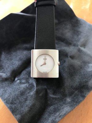 M&M Swiss Watch - Silberfarben mit Lederarmband / Schweizer Uhr